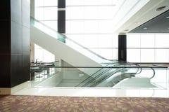 nowożytny budynku eskalator Obrazy Royalty Free