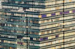 Nowożytny deseniowy budynek Fotografia Royalty Free