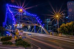 Nowożytny droga most w mieście zdjęcia royalty free