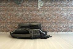 Nowożytny dwoisty łóżko z rzutami i butami Fotografia Stock