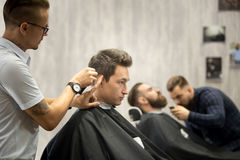 Nowożytny hairsalon dla mężczyzna obrazy stock