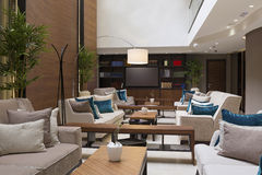 Nowożytny hotelu lobby kawiarni wnętrze Obraz Royalty Free