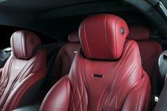 Nowożytny Luksusowy samochód inside Wnętrze prestiżu nowożytny samochód ComfoModern Luksusowy samochód inside Wnętrze prestiżu no Obrazy Stock