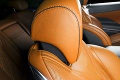 Nowożytny Luksusowy samochód inside Wnętrze prestiżu nowożytny samochód ComfoModern Luksusowy samochód inside Wnętrze prestiżu no Obrazy Royalty Free