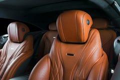 Nowożytny Luksusowy samochód inside Wnętrze prestiżu nowożytny samochód ComfoModern Luksusowy samochód inside Wnętrze prestiżu no Zdjęcie Royalty Free