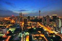 Nowożytny miasto podczas błękitnej godziny Obraz Royalty Free