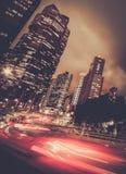 Nowożytny miasto przy nocą zdjęcia stock