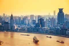 Nowożytny miasto przy półmrokiem w Shanghai Fotografia Royalty Free