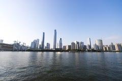 Nowożytny miasto w Guangzhou specjalny biznesowy teren wzdłuż perełkowej rzeki Obraz Stock