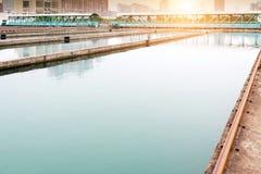 Nowożytny miastowy wastewater zakład przeróbki zdjęcie stock