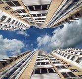 Nowożytny mieszkaniowy wysoki wzrosta budynek Obrazy Stock