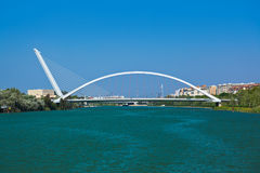 Nowożytny most w Seville Hiszpania zdjęcie stock