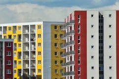 Nowożytny, nowy i elegancki żywy blok mieszkalny, Fotografia Royalty Free
