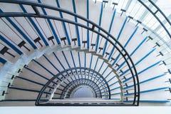 Nowożytny półkole schody zdjęcie stock