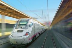 Nowożytny prędkość pociąg pasażerski w ruchu ruchu, Obraz Royalty Free