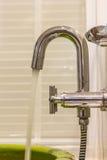 Nowożytny projektanta klepnięcie, prysznic w łazience i. Obraz Royalty Free