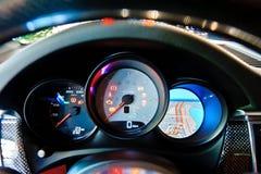Nowożytny samochodowy deski rozdzielczej zbliżenie fotografia royalty free