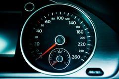 Nowożytny samochodowy szybkościomierz Obrazy Royalty Free