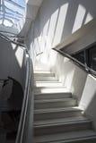 Nowożytny schody z cieniami obrazy stock