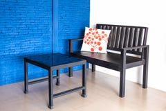 Nowożytny stół wnętrzy krzesła i Obrazy Stock