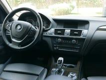 Nowożytny stylu inside czerń BMW X3 przejażdżka 3 5i, Lima Obrazy Stock