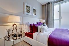 nowożytny sypialnia szyk Fotografia Royalty Free