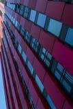 Nowożytny wierza wymieniał Czerwonego Apple w Rotterdam europejczycy Zdjęcie Royalty Free