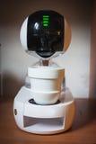 Nowożytny zaawansowany technicznie kawowy maszynowy projekt touchscreen elegancka filiżanka kawy obrazy royalty free