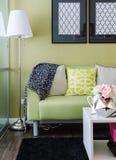 Nowożytny zielony żywy pokój Obraz Royalty Free