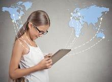 Nowożytnej technologii komunikacyjnej ochraniacza mobilny komputer zaawansowany technicznie Obrazy Royalty Free