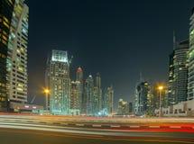 Nowożytni budynki w Dubaj, drapacz chmur architektury pustyni locat Zdjęcia Royalty Free