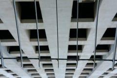 nowożytny budynek biurowy do góry nogami abstrakta architectur & ogrodzenie Zdjęcia Stock