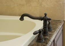 Nowożytny faucet dla balii Zdjęcia Royalty Free