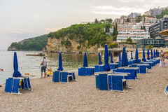 Nowożytny kurortu teren z nowymi hotelami w Budva na Adriatyckim Montenegro Zdjęcie Royalty Free