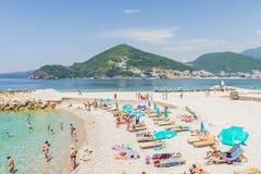 Nowożytny kurortu teren z nowymi hotelami w Budva na Adriatyckim Montenegro Fotografia Royalty Free