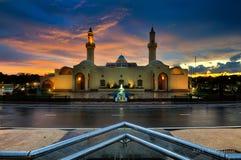 Nowożytny meczet podczas zmierzchu Obrazy Stock