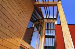 nowożytny plenerowy tarasowy drewniany Zdjęcie Royalty Free