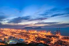 Nowożytny port morski z wieczór zmierzchem Fotografia Stock