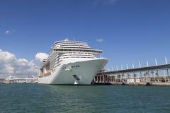 Nowożytny statek wycieczkowy w Portowym Vell Barcelona, Hiszpania Obrazy Stock