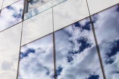 Nowożytny szklany okno na budynku Obrazy Stock