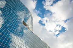 Nowożytny szklany wzrosta budynku drapacz chmur Obrazy Stock