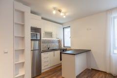 nowoczesna kuchnia nowego nowy dom Wewnętrzna fotografia drewniane podłogi Obraz Stock