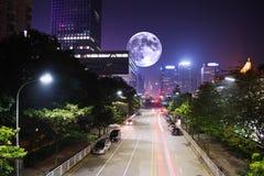 nowoczesne miasto w nocy Fotografia Royalty Free