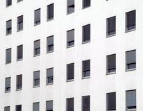 nowoczesne okna w domu obraz stock