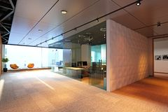 nowoczesne wewnętrznego urzędu budynku Obrazy Stock