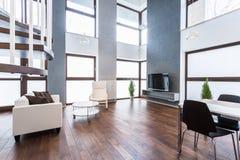 Nowomodny mieszkanie Fotografia Stock