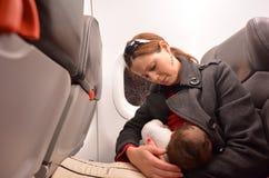 Nowonarodzona dziecko podróż powietrzna Zdjęcia Royalty Free