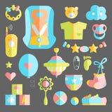 Nowonarodzonego niemowlaka mieszkania o temacie śliczny set Dziecko opieka, karmienie, clothin Zdjęcia Stock