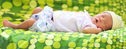 Nowonarodzony dziecka dosypianie Obraz Stock