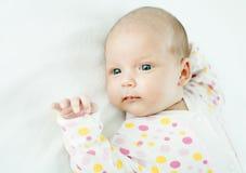 Nowonarodzony dziecko jeden miesiąca wiek Zdjęcia Royalty Free